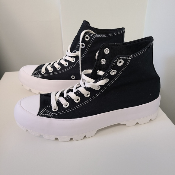 Converse Thick Platform Sneakers